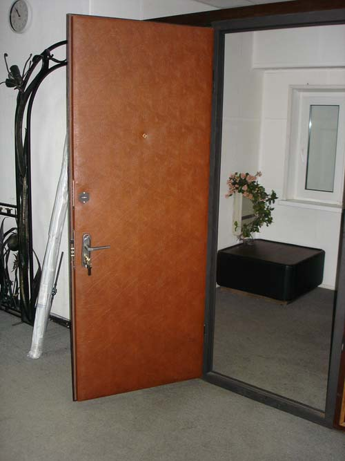 Двери под кожвинил